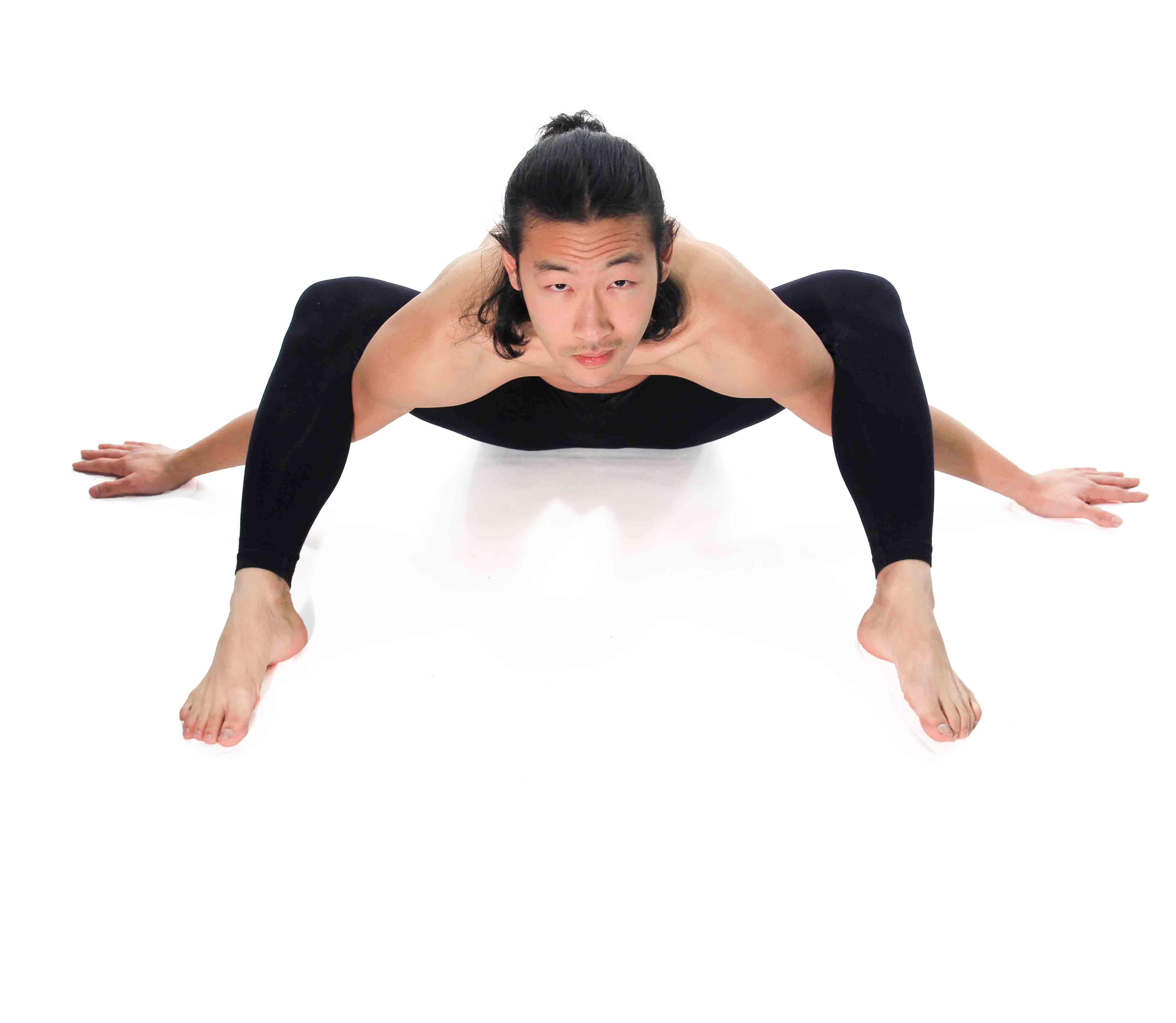Men In Yoga Pants (.com